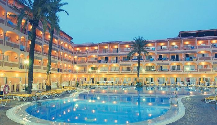Photo of Hotel Bahía Tropical